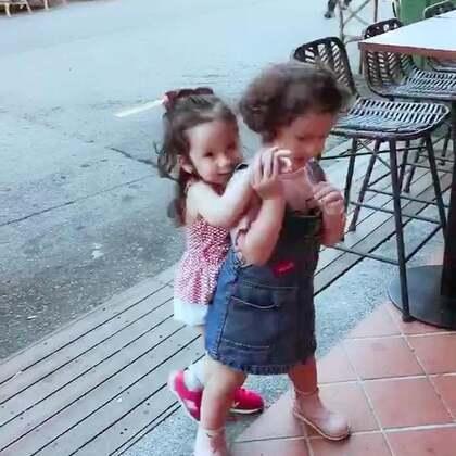 #momo和annie# 两个小姐妹好久不见了