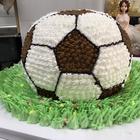 #美食##蛋糕#足球蛋糕来啦!Ole Ole!! 喜欢的宝宝们要点赞转发评论哦~今天是6月25,姐姐的美拍直播一周年,晚上记得来看直播参与抽奖哦!爱你们么么哒~
