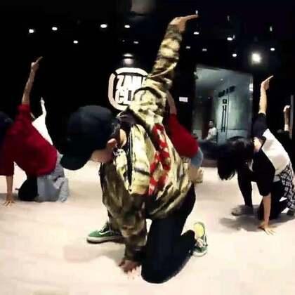 北京嘉禾舞社 @嘉禾舞社草桥店 绵绵老师@@绵绵_Lim Jazz课堂视频 Stay   想学最好看最流行的舞蹈就来嘉禾舞蹈工作室。报名热线:400-677-8696。微信:zahaclub。网站:http://www.jiahewushe.com #舞蹈# #嘉禾舞社# #嘉禾#