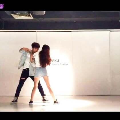 库存好久的舞~去深圳顺便约了@芽子KaK 出来录了只舞,天气很闷,加上下雨,效果不是很好,算是个纪念吧#舞蹈##boa only one##敏雅U乐国际娱乐#@敏雅可乐