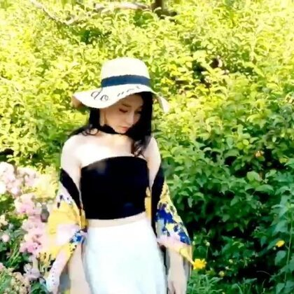 夏季田园风穿搭#穿秀##我的穿搭日记##好物分享#https://s.click.taobao.com/ZkITtfw