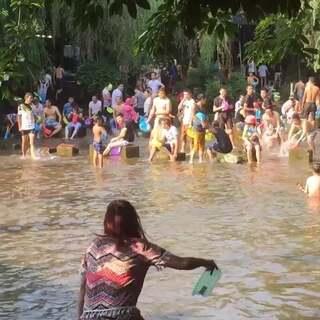 #泼水节#今天玩水好开心