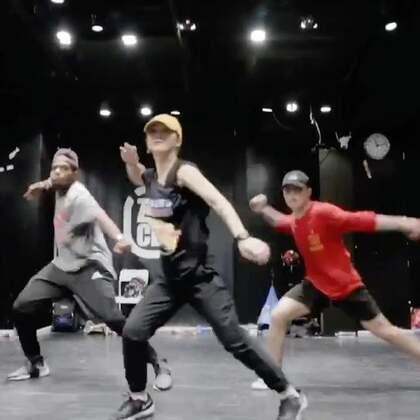 北京嘉禾舞社 Girin 2017 Beijing Workshop 2nd Class | 想学最好看最流行的舞蹈就来嘉禾舞蹈工作室。报名热线:400-677-8696。微信:zahaclub。网站:www.jiahewushe.com #舞蹈##嘉禾舞社##嘉禾#