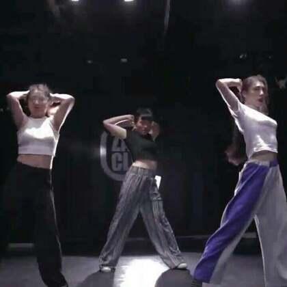 北京嘉禾舞社 绵绵老师@绵绵_Lim 编舞 Falling For Somebody New @嘉禾舞社国贸店 | 想学最好看最流行的舞蹈就来嘉禾舞蹈工作室。报名热线:400-677-8696。微信:zahaclub。网站:www.jiahewushe.com #舞蹈##嘉禾舞社##嘉禾#