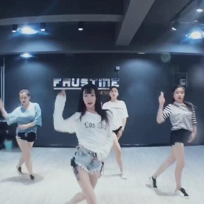#舞蹈# IU-사랑이 잘 👈歌名 Jane Kim的编舞 暑期班第一期第四节课 大家都跳的很到位 开心开心😍😍