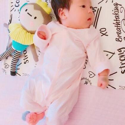 大家好 我是伊妹,我两个月10天哦,你们喜欢我吗😄💓#宝宝##宝宝日常##自拍#
