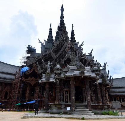 泰国最佳建筑代表,全木质手工雕刻,工艺精湛!不用1根钉子,如何做到36年屹立海上?@阿葩罩爷 @Adacrew陈鹭宏 #hi走啦##带着美拍去旅行##男神#