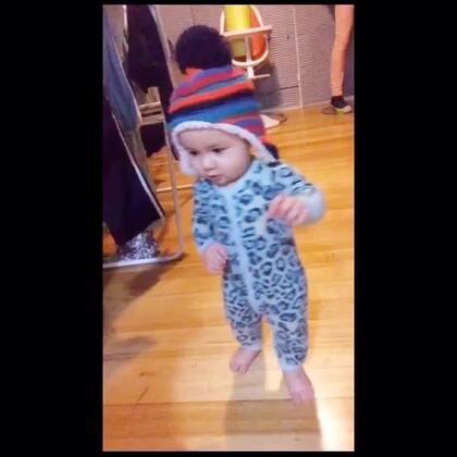 今天滿11個月了,喜歡走路☺️☺️ #男寶寶11個月#