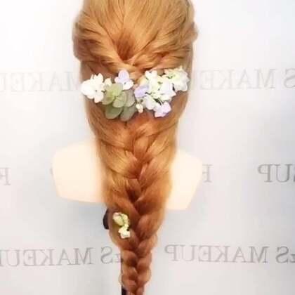 新娘鲜花编发。#唯美编发##进入美妆时尚频道##我要上热门!#