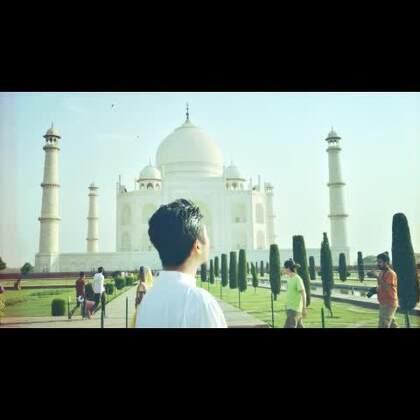 此行来到印度的泰姬陵,雇佣了一位当地小伙拍照,收了钱还很不耐烦,拍的照片七扭八歪,让探长很是生气!提到印度舞,这个小伙说印度民间舞女很便宜,竟然建议探长……在旅游胜地公开谈论这样的话题,探长感受到了文化的差异!#我要上热门##探险##旅行#