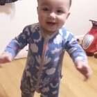 學會自己站起來了,等1歲的時候可能會跑了😂😂😂 #男寶寶11個月又5天#