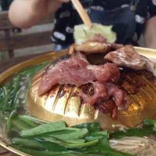 泰国烧烤🔥 爽爽的泰国🇹🇭#吃秀##泰国曼谷##泰国之旅#@白王王