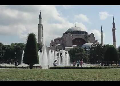 土耳其最著名的旅游胜地,夕阳余晖下迷人的伊斯坦布尔!关注【拍秀旅行】微信公众号,获得更多#旅行#咨询。