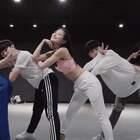 #舞蹈##1milliondancestudio##1M# Ara Cho编舞 Know No Better - Major Lazer 更多精彩视频请关注微信公众号:1MILLIONofficial 【8.14-8.19】 1M将在韩国首尔举办#舞蹈演唱会#及#超级workshop#!相关信息请咨询微信客服:Million1zkk 订票官网:https://www.1millionsuperweek.com