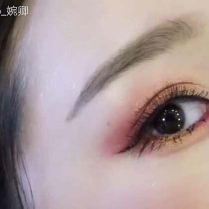 还在用大地色眼影吗?试试色彩鲜艳的眼影吧 谁还不是小仙女咋滴。#美妆时尚##美妆教程##美妆#