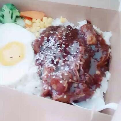#吃货##吃秀##直播吃饭#直播吃东西#我的午饭 黑胡椒金针菇牛肉饭😁好好吃😏😏😏