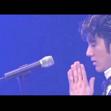 被陈奕迅在中国新歌声的出场方式惊艳到了 翻出了以前做的王力宏版本 真的 现场爆好听 不信你听听