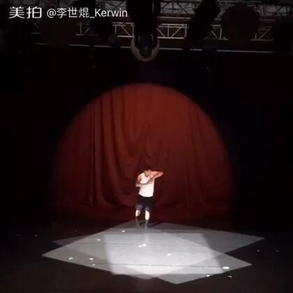 #舞蹈#《虚拟·界》——手为战争,身体为界 。