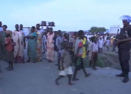 欢迎收看#联合国周刊#!世界上没有一个国家完全符合推荐的母乳喂养标准;推动信息通信技术更加便捷对可持续发展至关重要;联合国敦促加快部署快速保护部队,为南苏丹带来和平与稳定。