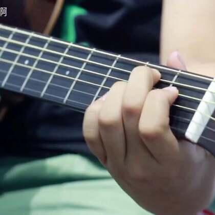 华晨宇《卡西莫多的礼物》用声音征服你#音乐##吉他弹唱#技术支持@典雅Ai视频