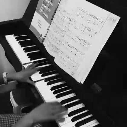 #音乐#第一次弹歌儿,还是无旋律伴奏,有木有人指导指导,看看我弹错多少?或者教教我咋弹流行歌的无旋律伴奏那????🙏
