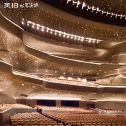 9月廣州 10月上海 11月厦門 12月美國,不同地方,是我兩個不同的演出!但場地都是如此藝術味濃厚且典雅,我真的很開心,很喜歡!感恩! 