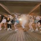 追求自由与执着,享受动感与嘻哈。让人难以抗拒的舞步,传递独一无二的态度! 单色#爵士舞#导师鸽子@YMC-鴿子Sandra-T 编舞《Want It》,咨询#舞蹈#微信:danse120