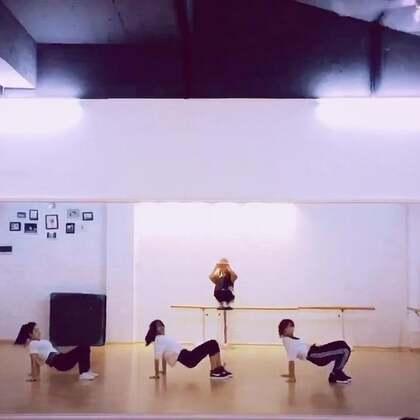 好开心呐,终于可以集体一起跳啦 👏👏!!!看着这视频好有成就感哦🙊#舞蹈#