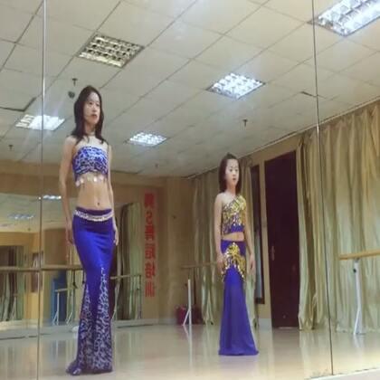 #舞蹈##东方舞#鼓舞 Saida Solo(潇潇,蓉蓉)闫晨滨老师集训舞码,节奏鲜明很带感。#肚皮舞#