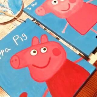 两幅画忙乎了三天 画的我脖子疼 总算完工 一副送给Shep 下个月他和Ethan一起去幼儿园 3到5岁的孩子一个班 shep去年就去了 他说会帮我照顾Ethan 哈 送他一幅画 孩子们都喜欢小猪佩奇#画画##手工##热门##Ethan的小生活#