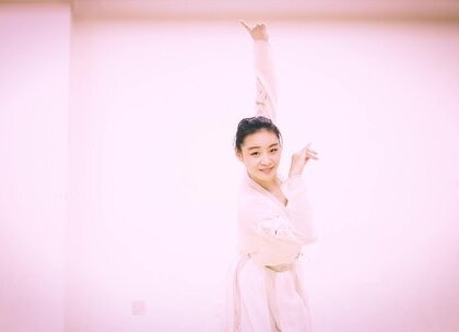 王仙女真的太美了😍,这支经典抒情小调的《知道不知道》的#中国舞#百看不厌呢✨#我要上热门##舞蹈#@美拍小助手@舞蹈频道官方账号
