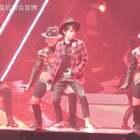 #易烊千玺# 20170813 TFBOYS四周年南京演唱会第二场 易烊千玺舞蹈solo 致敬MJ