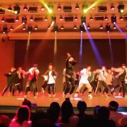 嘉禾舞社十三周年 开场舞 Part1 | 想学最好看最流行的舞蹈就来嘉禾舞蹈工作室。报名热线:400-677-8696 微信:zahaclub 网站:http://www.jiahewushe.com #舞蹈# #嘉禾舞社# #嘉禾#