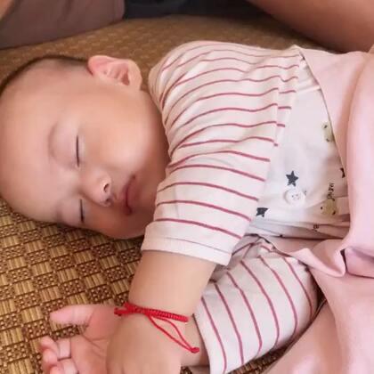 #宝宝成长记录#7M12d,父子俩个睡的好香