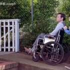 斜坡简直是轮椅人士的福音!就是万万没想到Luke最后竟然松了手😷#搞笑##手工##我要上热门#