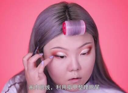 #美妆##热门# 欧美加利福利亚的Holy妆容上市!(3) 欢迎来围观👏