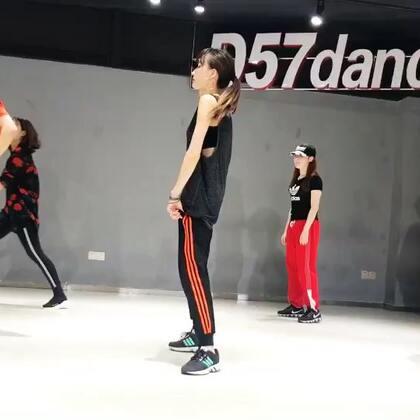 #舞蹈# 日本Natsuka老师课堂❤️就算忘动作 也要笑着演下去😂😂😂