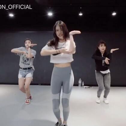#舞蹈##1milliondancestudio#Ara Cho编舞 Old Friend Remix 更多精彩视频请关注微信公众号:1MILLIONofficial