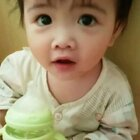 #宝宝##萌宝宝##可爱宝宝#早上起床,一头炸毛,呆萌呆萌的。吃了辅食喝奶奶咯☺☺