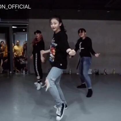 #舞蹈##1milliondancestudio# Yoojung Lee编舞Nights With You 更多精彩视频请关注微信公众号:1MILLIONofficial