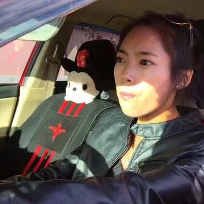 #搞笑段子#请勿向车窗外扔垃圾😂@(⑉°laз°qu)-♡ (我们负责搞笑,你们负责点赞)