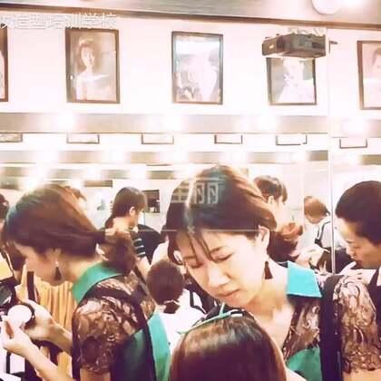 #美妆#每一位优秀的美妆师源于勤练习,才学习一周同学就可以画出精美的生活妆,觉得真的好棒