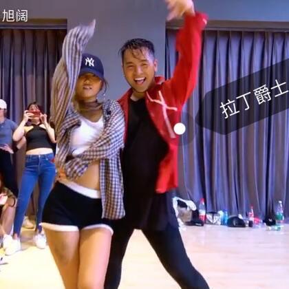 #舞蹈##instruction##拉丁爵士#我的新编舞 在广州RT授课的视频 我的好朋友@陈伴雪-Panda 和我一起给大家带来这段热情肆意的拉丁爵士 音乐🎵 Instruction - Demi Lavato 🎵这个歌最近超级火 今天是我生日 大家多多点赞 多多留言 多多转发哦 @南京IshowJazzDance
