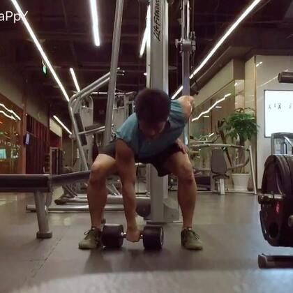 上海回来第一练,身体整合➕肩部,我们的身体都是一个整体,完成整体的训练,再分解单个动作和肌肉#美拍运动季##钱老湿的训练日记##运动健身#