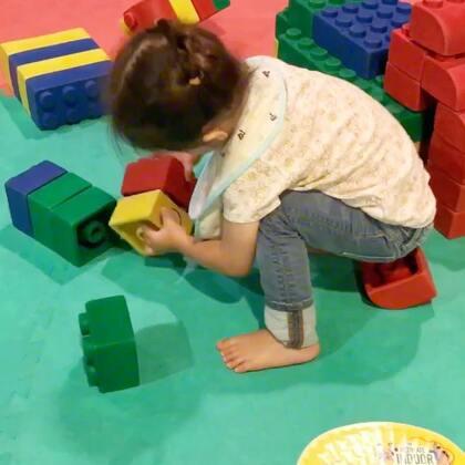 #小团子#平时很爱玩乐高积木,终于找到机会一起去了Legoland乐高乐园,赖着不想走了😂#宝宝##宝宝在旅行#