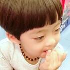 #年 三岁##机智年##宝宝#这是一个相当执着又有耐心的小孩,但遇到的是更执着与更有耐心的我🌚🌚🌚(微博有抽奖:年年Jacky)
