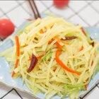 马上给你们出这个酸辣土豆丝的教程,嘻嘻,那种很脆脆的感觉#美食#