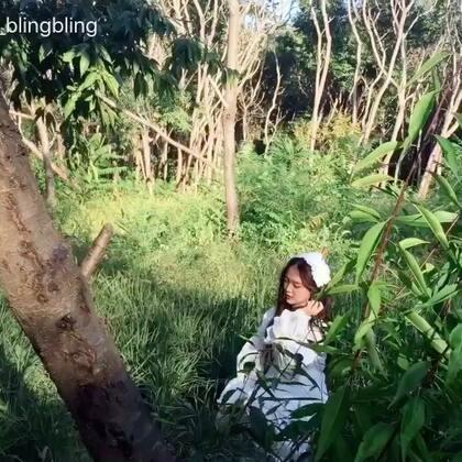 #我工作的一天#上午舞蹈演出👯👯下午森林公园拍摄🎬又是一个充实仙女的周末~今天的服装造型超级仙!💐花束是在公园现采哒~摄影师拍的时候化妆师姐姐们一直旁边拿手机录像拍照~整理发个日常拍摄花絮~ 后面是good time和队形版的blackpink像最后一样 演出视频我跳的JENNIE位😊#女神##舞蹈#