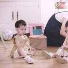 宝妈仅离开宝宝5秒钟,宝宝就给了她一个惊喜#二更视频##宝宝##亲子#