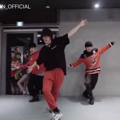 #舞蹈##1milliondancestudio# Junsun Yoo编舞These days 更多精彩视频请关注微信公众号:1MILLIONofficial
